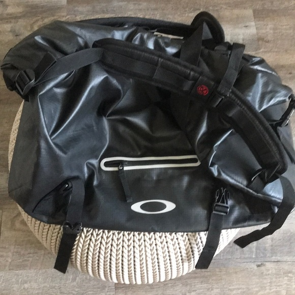 Oakley Other - Oakley duffle backpack carryall weekend gym bag